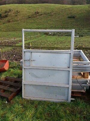 Galvanised metal farm crush gate,with hinge attach and lock 3ft 6 inches wide.