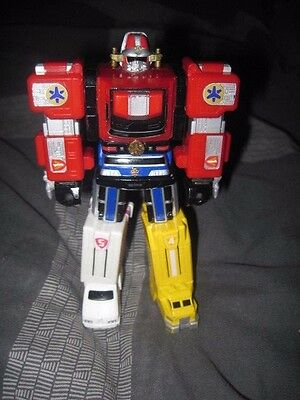 1999 Bandai Transformer Style Robot Optimus Prime Look Extendable Arm Punches