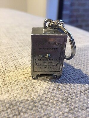 Jack Daniels Old No 7 brand new metal safe design keyring for home bar collector