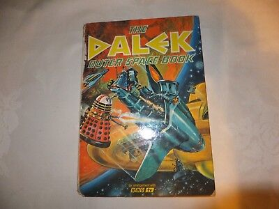Dr Who, the dalek outer space book, 1966 v rare
