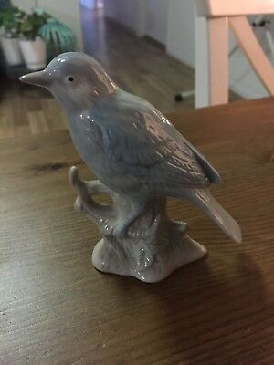 Ceramic Bird, No Visible Damage, No Markings 11Cm Tall