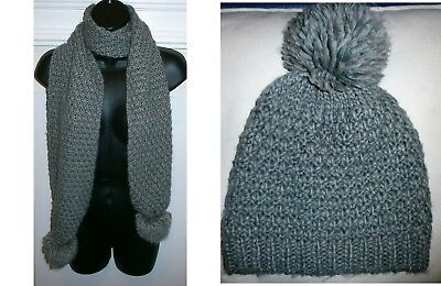 Grey Thick WAFFLE KNIT Knitted LARGE BOBBLE LONG SCARF & BOBBLE HAT SET