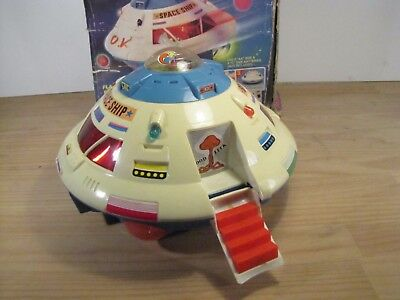 Vintage 8o's Space Flyng Saucer from Z-H
