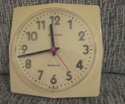"VINTAGE QUARTZ WESTCLOX WALL CLOCK - Battery Operated. Cream - 8.5"" In VGC & GWO"
