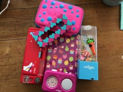 New Smiggle bundle (some without tags)