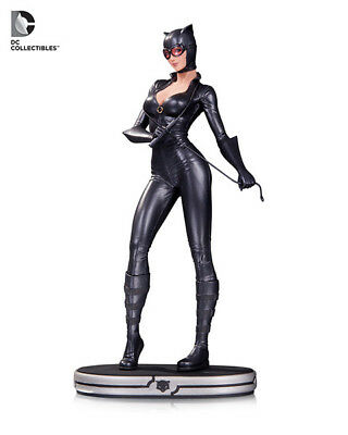 DC Comics Cover Girls Catwoman Statue - DAMAGED - See Photos