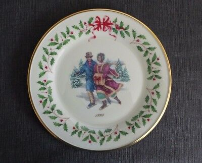 """Lenox 1998 Collector's Plate """"Eighth in Series"""" Christmas Skaters"""