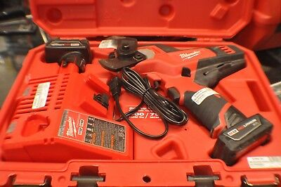 milwaukee m12 2472-21xc wire and soft cable cutter w/manual, dual charger, 2 bat