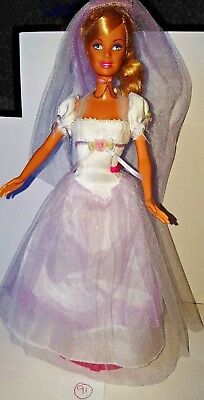 Barbie Princess and the Pauper 'Annalise / Dolls Clothes & Accessories / Singing