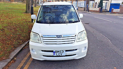 Toyota Noah/Voxy, 2004, 2.0 Petrol Automatic, Pearlescent White, 7/8 Seater