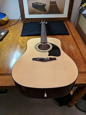 Acoustic Guitar George Washburn Lyon 6 string with case good condition!