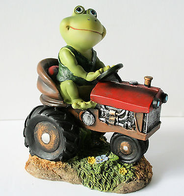FROG ON TRACTOR Figurine Resin Garden Yard Home Decor GREEN VEST NEW IN BOX