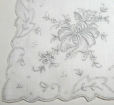 Vntg Madeira Embroidery Linen Hanky-Heavily Hand Embroidery All Corners-Wedding