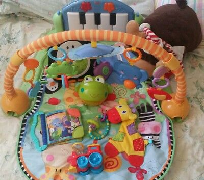 9 Nursery Toys incl. Fisher Price Piano Gym & Bright stars 3 in 1 projector etc.