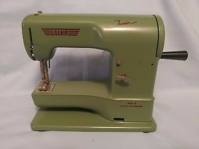 ELNA JUNIOR HANK Crank Toy Sewing Machine 40's Music Box 4040 Mesmerizing Elna Junior Sewing Machine