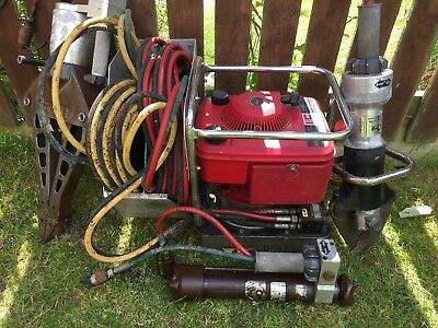 Clan Lucas Jaws of Life double acting pump. In working condition.