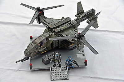 MEGA BLOKS Halo UNSC Falcon with Landing Pad 96940 (2011) ***COMPLETE*** (VIC)