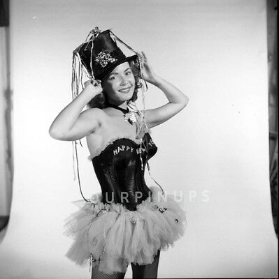 #32 1950's Model GWEN CALDWELL RARE B/W Vintage ORIG Estate NEG/New Year Costume