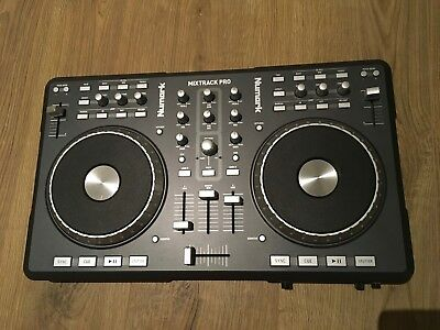 Numark Mixtrack Pro - Digital DJ mixing deck