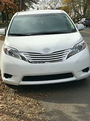 2017 Toyota Sienna LE Toyota sienna 2017 show room condition 3K miles
