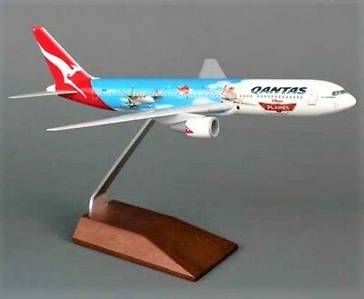 "Qantas Boeing 767 ""Planes"" Disney 'Resin' Model 1/200 Scale Exec. Wood D/Stand"