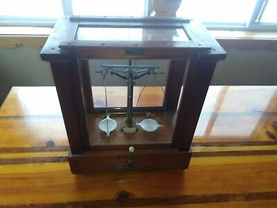 Vintage  Gold scale  Laboratory Scale   pharmacy scale    balance beam scale