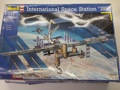 Revell 04841 - International Space Station ISS (1:144)