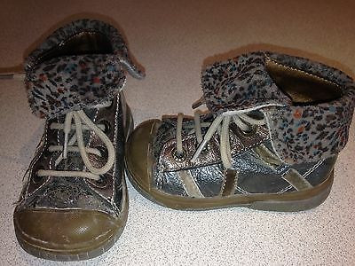 Chaussures Babybotte Montante Taille 21