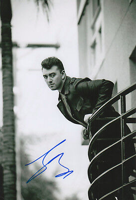"Sam Smith ""James Bond"" Autogramm signed 20x30 cm Bild s/w"