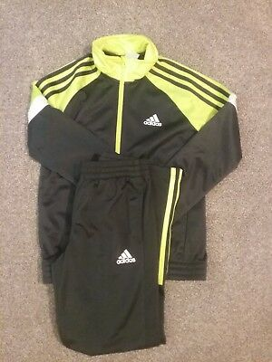 kids adidas tracksuit age 9 good condition