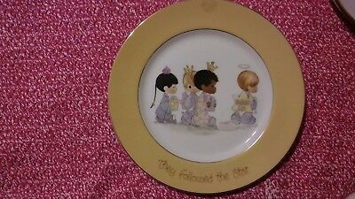 "Precious Moments 1980 Rare  Plate ""they Followed The Star"""