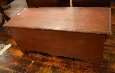 NEW ENGLAND PINE BLANKET CHEST: Lot 313