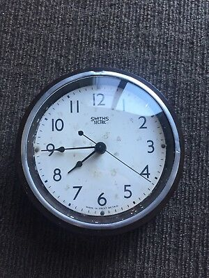 Smith Sectric Bakelite Wall Clock (Battery Powered) Made Great Britain, WORKING