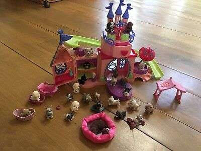 Puppy in my Pocket Pet Palace with 28 PUPPIES - 2007 - VERY GOOD CONDITION
