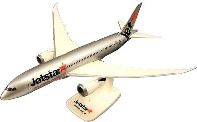 Jetstar Boeing 787 Dreamliner High Quality 'Resin' Model 1/200 Scale
