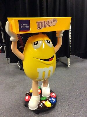 M&M Yellow With Tray Character Store Display