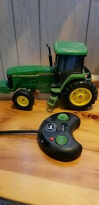 JOHN DEERE 8310 remote control  TRACTOR 1:16 scale