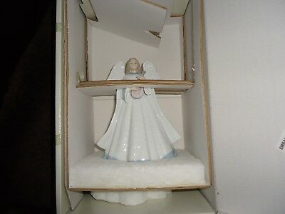 "Lladro Angel ""Angelic Melody"" MINT CONDITION w/box  #5963"