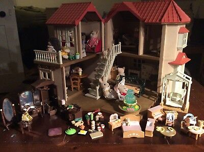 Sylvanian Families Family Beechwood Hall House Bundle With Furniture figures toy