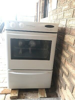 Westinghouse Fan Forced Wall Oven with grill