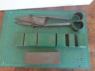 Vintage blade shears UTS,  with sharpening tools, stone and guide Dagew Dubbo
