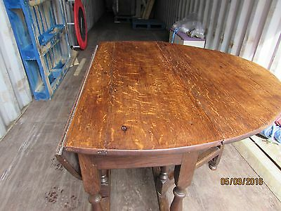 17th Century Oak Oval Gateleg Table (Delivery with 20 Mile radius)