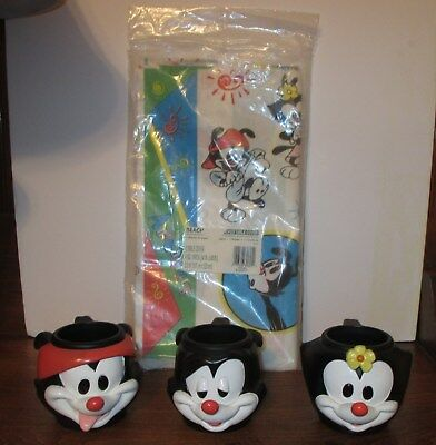 Vintage 1994 Animaniacs  3 mugs and birthday table cloth