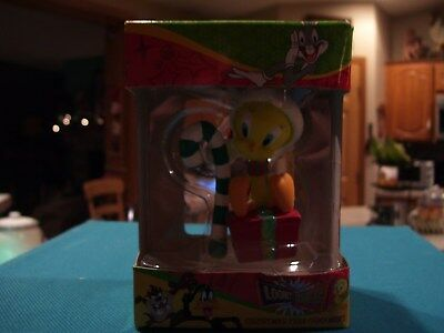 Looney Tunes ~Tweety Bird~ Christmas Tree Ornament Tweety Holding A Candy Cane