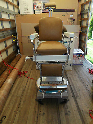 Antique koken barber chair circa early 1900's  Beautiful!