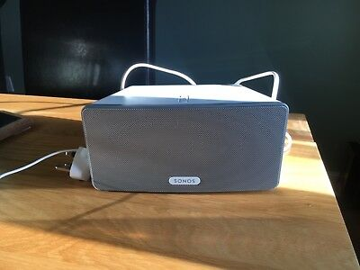 Sonos Play 3 in white. Only used one, excellent condition, without box. RRP £249