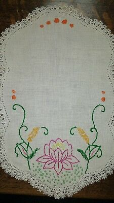 Vintage 8 pc. Lot White Edging Tatting Flower Embroidery Ecru Linen Placemats