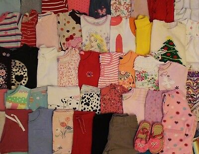 Girls Bundle of Clothes Age 3-4 Years.Over 50 items.Please see pictures inside!