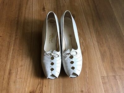 Vintage 1930s 1940s White Womens Shoes Size 8