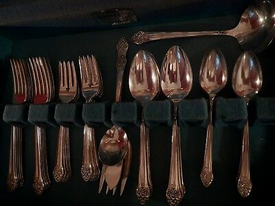Plantation Oneida Rogers Silverplate flatware set for 12+ soup spoons 4 serv pcs
